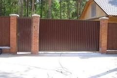 Предлагаем купить ворота в Курске – автоматические конструкции недорого
