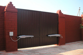 Автоматика для ворот в Курске для всех типов ворот. Бесплатная консультация, фирменная гарантия, послегарантийное обслуживание